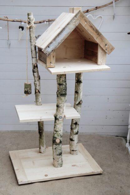 Krabpaal van hout model Bengaal. Stabiele krabpaal voor zware katten.